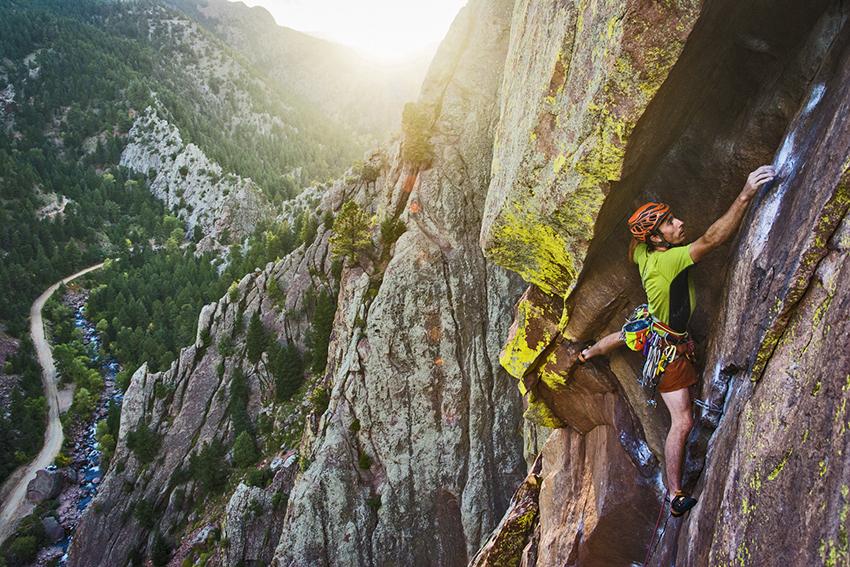 rab-climber-scott-bennet-speed-ascent-up-the-naked-edge-eldorado-canyon-colorado_photo-courtesy-of-rab